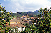 "Zavattarello, paese in provincia di Pavia, annoverato tra i ""borghi più belli d'Italia"" --- Zavattarello, small village in the province of Pavia, rated within the ""most beautiful villages in Italy"""
