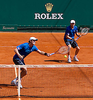 Bob BRYAN (USA) & Mike BRYAN (USA) against Andy MURRAY (GBR) & Ross HUTCHINS (GBR) in the second round of the men's doubles. Bryan & Bryan beat Murray & Hutchins 6-7 6-2 10-2..International Tennis - 2010 ATP World Tour - Masters 1000 - Monte-Carlo Rolex Masters - Monte-Carlo Country Club - Alpes-Maritimes - France..© AMN Images, Barry House, 20-22 Worple Road, London, SW19 4DH.Tel -  + 44 20 8947 0100.Fax - + 44 20 8947 0117