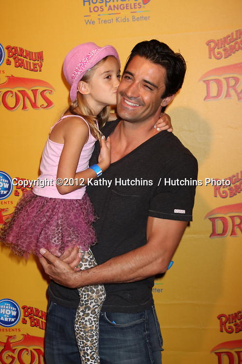 LOS ANGELES - JUL 12:  Gilles Marini and daughter arrives at 'Dragons' presented by Ringling Bros. & Barnum & Bailey Circus at Staples Center on July 12, 2012 in Los Angeles, CA