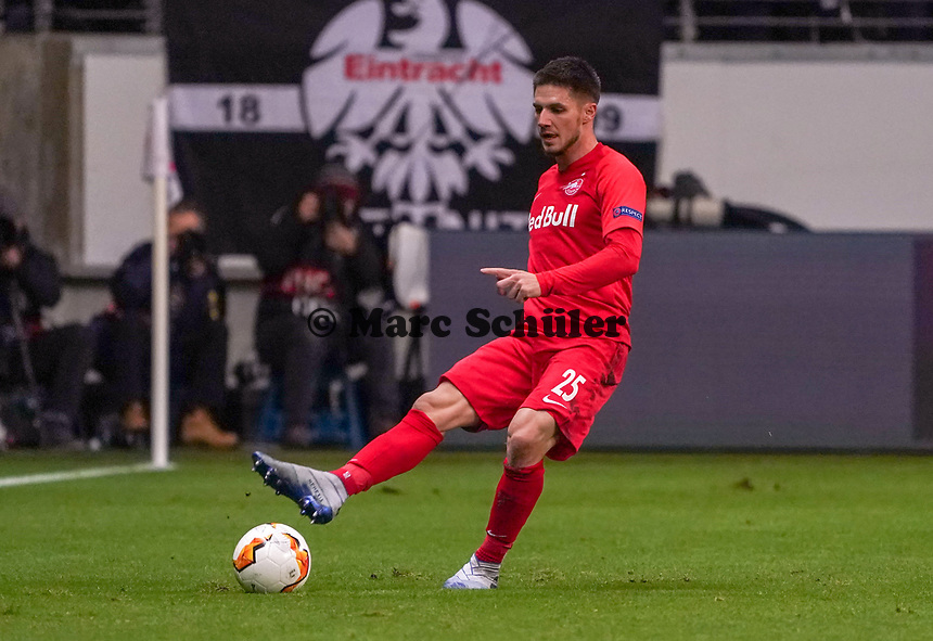 Patrick Farkas (RB Salzburg, #25) - 20.02.2020: Eintracht Frankfurt vs. RB Salzburg, UEFA Europa League, Hinspiel Round of 32, Commerzbank Arena DISCLAIMER: DFL regulations prohibit any use of photographs as image sequences and/or quasi-video.