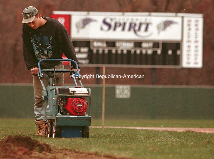 WATERBURY, CT 11/13/98--1113CA04.tif  Joe Sullivan from Kingston Turf Farms in Rhode Island, uses a sod cutter to remove the old turf in the infield at Municipal Stadium in Waterbury. The infield will undergo the sod and new clay around the base paths. --CRAIG AMBROSIO staff  / STAND ALONE PHOTO  (Filed in Scans/Scan-In)