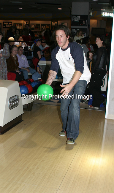 "GL =  - Tom Pelphrey bowls ""Jonathan"" at the BLoss and Friends Bowling 10-9-04 Port Authority, NYC (. The event benefits the American Heart Assn. This year this event raised over $5000.  Photo by Sue Coflin)"