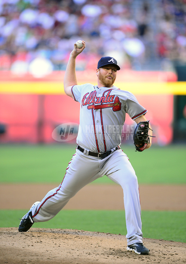 Apr. 21, 2012; Phoenix, AZ, USA; Atlanta Braves pitcher Tommy Hanson throws in the first inning against the Arizona Diamondbacks at Chase Field.  Mandatory Credit: Mark J. Rebilas-