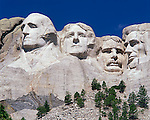 Mount Rushmore National Memorial, SD<br /> Monumental heads of presidents Washington, Jefferson, Roosevelt, and Lincoln sculpted by Gutzon Borglum