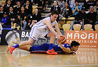 Action from the 2017 AA Boys' Secondary Schools Basketball Premiership National Championship final between Rangitoto College and Rosmini College at the B&M Centre in Palmerston North, New Zealand on Saturday, 7 October 2017. Photo: Dave Lintott / lintottphoto.co.nz