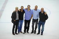 IJSHOCKEY: HEERENVEEN: 27-09-2014, Unis Flyers, Oud spelers Feenstra Flyers na 25 jaar weer even bij elkaar v.l.n.r. Jan Jansen, Evert Jan van der Werf, Harry de Groot, Rob Polmantuin, Sytse de Haan, ©foto Martin de Jong