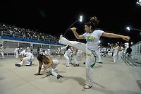 SÃO PAULO, SP, 28 DE JANEIRO DE 2012 - ENSAIO TÉCNICO MOCIDADE ALEGRE - Ensaio técnico da Escola de Samba Mocidade Alegre na praparação para o Carnaval 2012. O ensaio foi realizado na noite deste sabado no Sambódromo do Anhembi, zona norte da cidade. FOTO: LEVI BIANCO - NEWS FREE