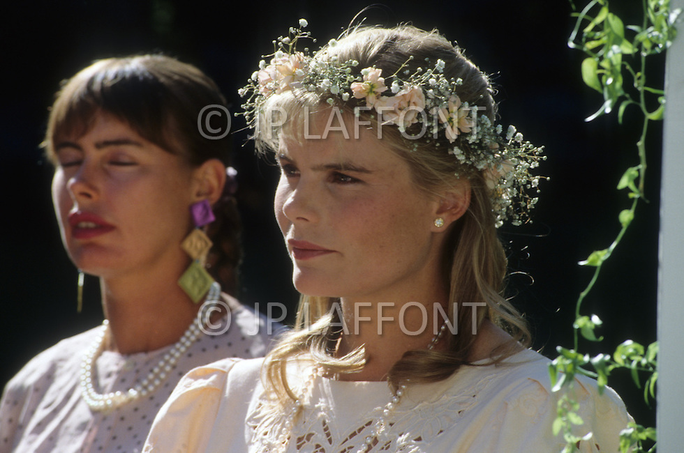 Ketchum, Idaho, U.S.A, August, 5th, 1989. From left to right: Mariel and Muffet Hemingway at their father's, Jack Hemingway, second wedding with Angela Holvey.