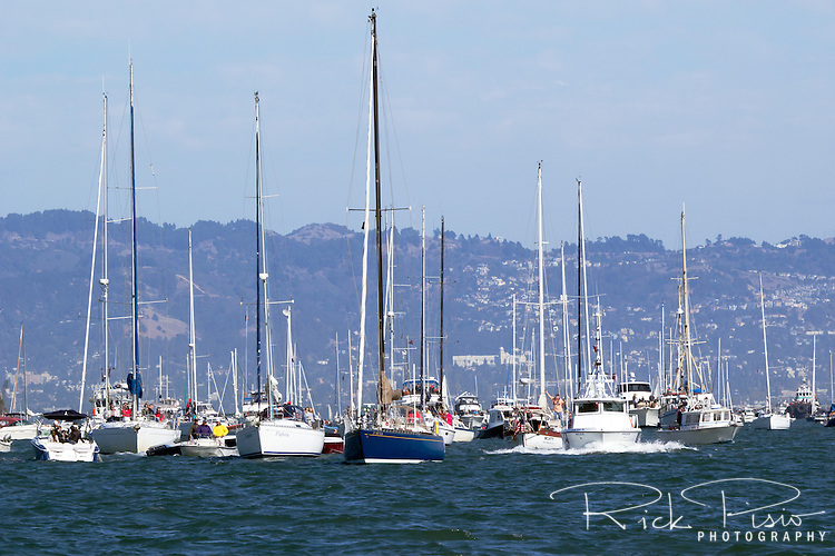 Boats crowd San Francisco Bay during Fleet Week activitives