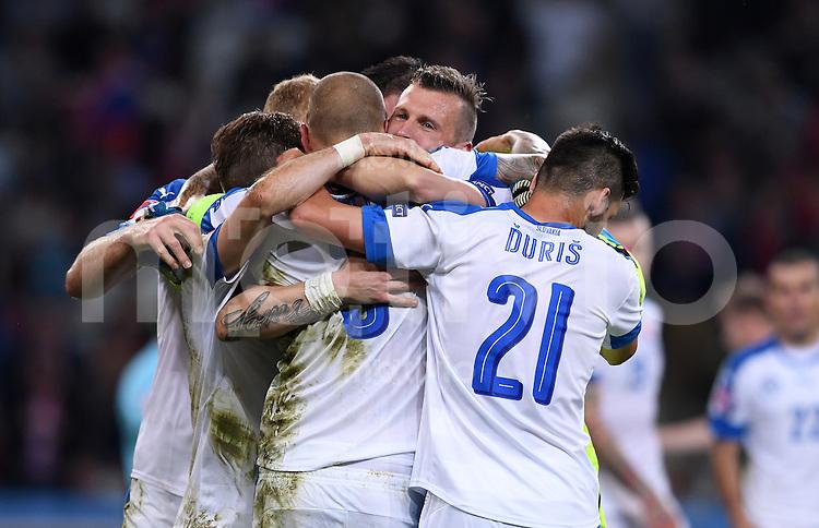 FUSSBALL EURO 2016 GRUPPE B IN LILLE Russland - Slowakei     15.06.2016 Schlussjubel Slowakei