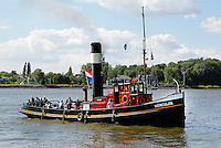 Dordrecht- Dordt in stoom. Evenement met voertuigen en werktuigen die door stooom gedreven worden. Stoomboot Hercules