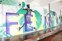 """SÃO PAULO, SP, 19.05.2015 - MUSEU-FUTEBOL - Abertura da exposição """"Visibilidade para o Futebol Feminino"""" no Museu do Futebol, no Pacaembu, zona oeste de São Paulo, nesta terça-feira (19). O projeto visa consagrar no acervo do museu a história da participação das mulheres no esporte. (Foto: Vanessa Carvalho / Brazil Photo Press)"""