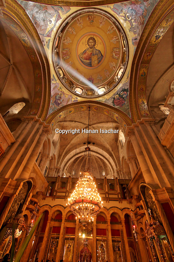 Israel, Jerusalem Old City, the Katholikon, the Church of the Holy Sepulchre on Palm Sunday, 2005<br />