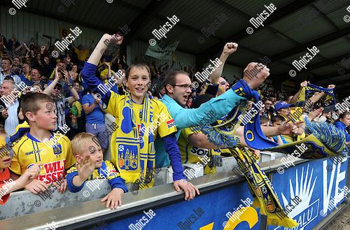 2014-04-27 / Voetbal / seizoen 2013-2014 / KVC Westerlo kampioen in tweede klasse /  De supporters vieren<br /><br />Foto: mpics.be