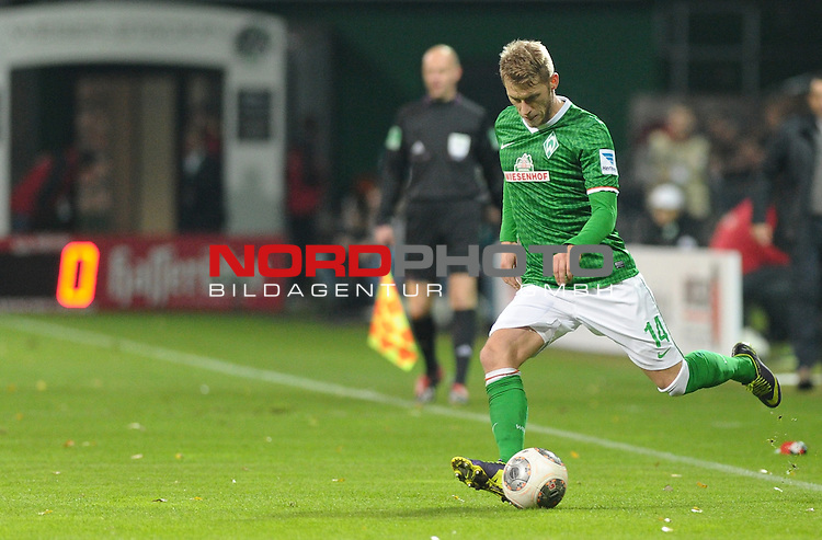 03.11.2013, Weserstadion, Bremen, GER, 1.FBL, Werder Bremen vs Hannover 96, im Bild Aaron Hunt (Bremen #14)<br /> <br /> Foto &copy; nph / Frisch