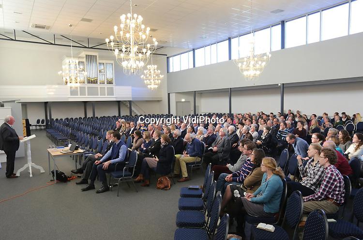 Foto: VidiPhoto<br /> <br /> WOUDENBERG - Evangelisatiedag van de HHK in de Maranathakerk in Woudenberg.