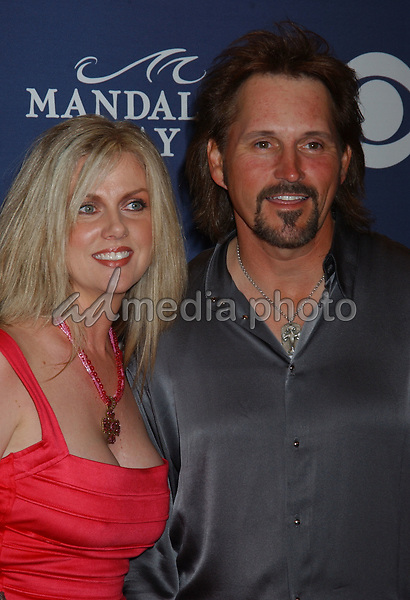 May 26, 2004; Las Vegas, NV, USA; Musician MARTY ROE of 'Diamond Rio' with wife during the 39th Annual Academy of Country Music Awards held at Mandalay Bay Resort and Casino. Mandatory Credit: Photo by Laura Farr/AdMedia. (©) Copyright 2004 by Laura Farr