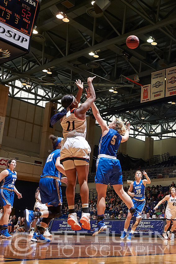 SAN ANTONIO, TX - JANUARY 11, 2018: The University of Texas at San Antonio Roadrunners fall to the Middle Tennessee State University Blue Raiders 62-47 at the UTSA Convocation Center. (Photo by Jeff Huehn)