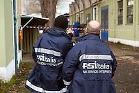 Roma 20 Febbraio 2012.I lavoratori della Rsi Italia SpA (Rail Service Italia, ex Wagons Lits), in Cassa Integrazione straordinaria da 6 mesi hanno occupato  la fabbrica di via Umberto Partini a Roma. Sono  59 operai (33 metalmeccanici, 26 dei trasporti), addetti alla manutenzione dei Treni Notte..Workers at the Rsi Italy SpA (Italy Rail Service, former Wagons Lits), extraordinary layoff from 6 months have occupied the factory in via Umberto Partini in Rome. We are 59 workers (33 metalworkers, 26 transport), Night Train maintenance workers. Rome, Italy 20th of February 2012