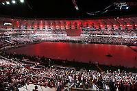 PORTO ALEGRE, RS, 05.04.2014 - REABERTURA DO NOVO BEIRA-RIO - ESPETÁCULO OS PROTAGONISTAS - Estádio Beira-Rio antes da apresentação no evento oficial de reabertura do novo Beira-Rio. Estes shows e um jogo amistoso com o Peñarol (domingo, 6) marcam o final de senana dos tircedores do Internacional. A projeção feita em toda extensão do gramado, é o principal atrativo para esta grande festa realizada neste sábado, 5. (Pedro H. Tesch / Brazil Photo Press).