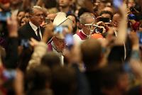Papa Francesco arriva nella Basilica di San Pietro per celebrare la Liturgia Penitenziale. Città del Vaticano, 29 marzo, 2019.<br /> Pope Francis arrives to lead the Liturgy of Penance in Saint Peter's Basilica at the Vatican, on March 29, 2019.<br /> UPDATE IMAGES PRESS/Isabella Bonotto<br /> <br /> STRICTLY ONLY FOR EDITORIAL