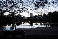 Goiania_GO, Brasil...Lagoa no Bosque dos Buritis na cidade de Goiania...A lake at the Bosque dos Buritis in Goiania city...Foto: BRUNO MAGALHAES / NITRO