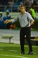 BARRANQUIILLA - COLOMBIA, 29-11-2018: Guillermo Sanguinetti técnico del Santa Fe, gesticula durante el encuentro entre Atlético Junior de Colombia e Independiente Santa Fe de Colombia por la semifinal, vuelta, de la Copa CONMEBOL Sudamericana 2018 jugado en el estadio Roberto Meléndez de la ciudad de Barranquilla. /Guillermo Sanguinetti coach of Santa Fe, gestures during a semifinal second leg match between Atletico Junior of Colombia and Independiente Santa Fe of Colombia as a part of Copa CONMEBOL Sudamericana 2018 played at Roberto Melendez stadium in Barranquilla cityAtletico Junior de Colombia e Independiente Santa Fe de Colombia en partido por la semifinal, vuelta, de la Copa CONMEBOL Sudamericana 2018 jugado en el estadio Roberto Meléndez de la ciudad de Barranquilla. / Atletico Junior of Colombia and Independiente Santa Fe of Colombia in Semifinal second leg match as a part of Copa CONMEBOL Sudamericana 2018 played at Roberto Melendez stadium in Barranquilla city.  Photo: VizzorImage/ Alfonso Cervantes / Cont