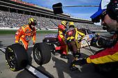 #18: Kyle Busch, Joe Gibbs Racing, Toyota Camry Snickers Creamy