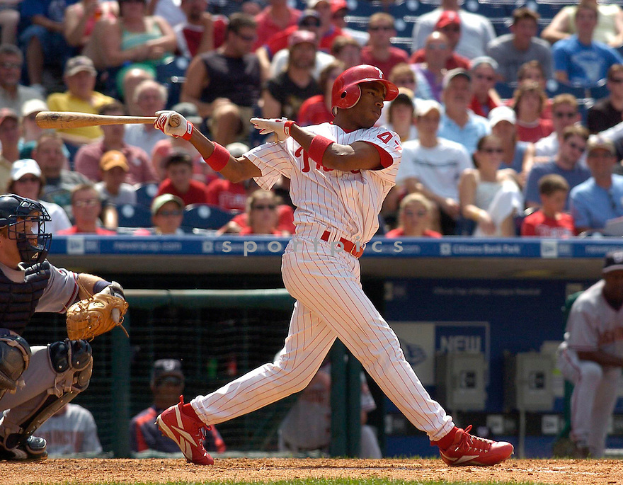 Endy Chavez in action during the Washington Nationals at Philadelphia Phillies game on July 9, 2005...Phillies win 1-0..Chris Bernacchi / SportPics