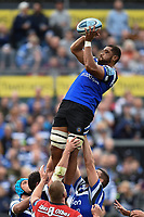 Taulupe Faletau of Bath Rugby wins the ball at a lineout. Gallagher Premiership match, between Bath Rugby and Gloucester Rugby on September 8, 2018 at the Recreation Ground in Bath, England. Photo by: Patrick Khachfe / Onside Images