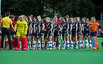 AMSTELVEEN  - shake hands, sportiviteit,   hoofdklasse hockeywedstrijd dames Pinole-Laren (1-3). COPYRIGHT  KOEN SUYK