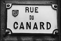 Europe/France/Midi-Pyrénées/31/Haute-Garonne/Toulouse: Plaque de rue Rue du Canard - icone de la cuisine du Sud-Ouest