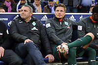 FUSSBALL   1. BUNDESLIGA    SAISON 2012/2013    11. Spieltag   FC Schalke - 04 Werder Bremen                              10.11.2012 Manager Klaus Allofs (li) und Sebastian Proedl (re, beide SV Werder Bremen) auf der Bank