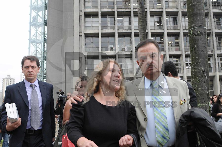 Santo Andre, SP,13 FEVEREIRO 2012-.Mae de Eloa Ana Cristina Pimentel chega no Forum de Santo Andre. (FOTO: ADRIANO LIMA - NEWS FREE).