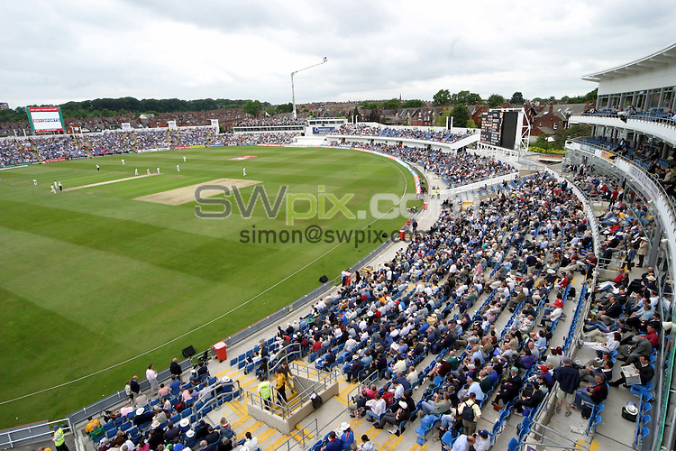 Pix by BEN DUFFY/SWpix.com - International Cricket, England New Zealand....4/06/04..Picture Copyright >> Simon Wilkinson >> 07811267706..Headingley Cricket Ground home of Yorkshire County Cricket Club, General View GV