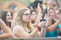 PIRACICABA,SP 24.05.2015 - VIRADA-PAULISTA - A banda Móveis Coloniais de Acaju durante Virada Cultural Paulista na cidade de Piracicaba no interior de São Paulo neste domingo, 24. (Foto: Mauricio Bento / Brazil Photo Press)