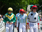 Jockeys for Leslie