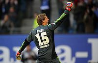 FUSSBALL   1. BUNDESLIGA   SAISON 2012/2013   4. SPIELTAG Hamburger SV - Borussia Dortmund               22.09.2012         Torwart Rene Adler (Hamburger SV) jubelt nach dem Abpfiff