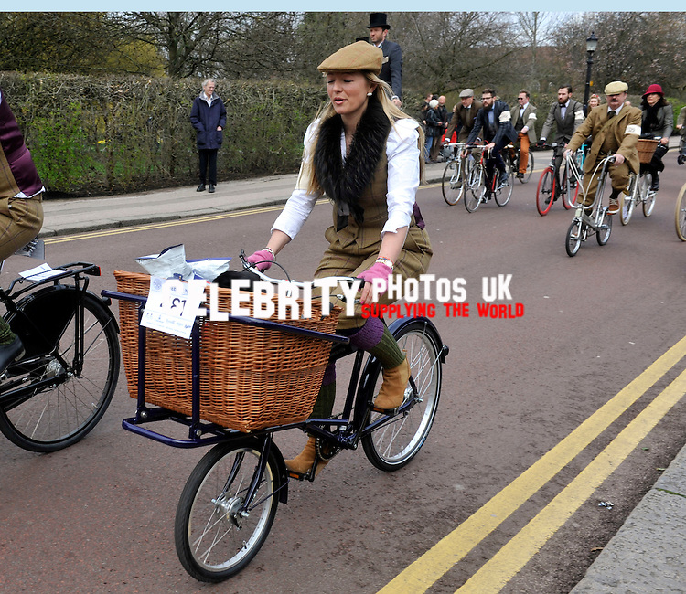 Tweed Run 2013  a metropolitan bicycle ride with a bit of style,through the streets of london   13 April 2013 Picture By: Brian Jordan