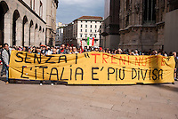 "Milano, manifestazione del 25 aprile, anniversario della Liberazione dell'Italia dal nazifascismo. Protesta dei lavoratori dei Treni Notte --- Milan, manifestation of April 25, the anniversary of the Liberation of Italy from nazi-fascism. Protest of the ""Night Train"" workers"