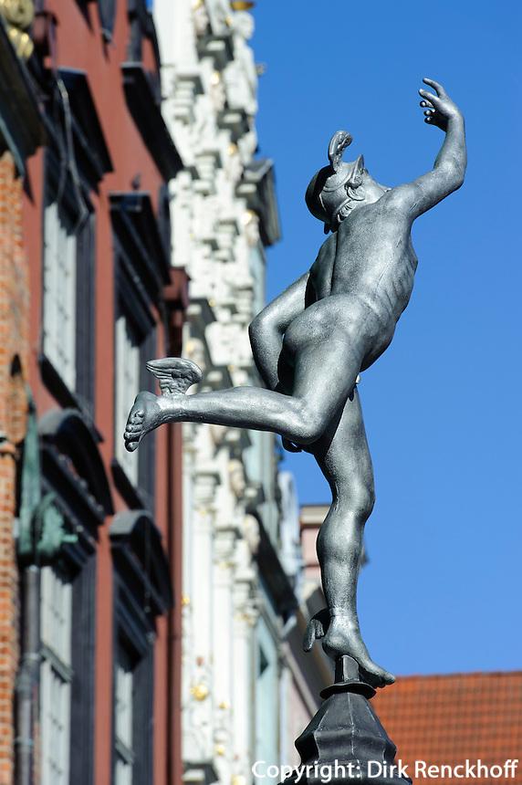 Hermes-Statue auf dem Langen Markt (Dlugi Targ) in Danzig (Gdansk), Woiwodschaft Pommern (Wojew&oacute;dztwo pomorskie), Polen, Europa<br /> Statue of Hermes  on the Long Market (Dlugi Targ)  in Gdansk, Poland, Europe