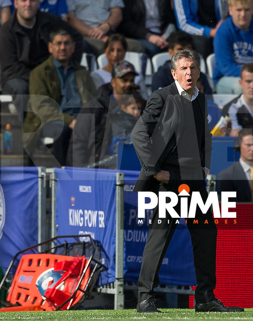 Southampton Manager Claude Puel during the Premier League match between Leicester City and Southampton at the King Power Stadium, Leicester, England on 2 October 2016. Photo by Andy Rowland.