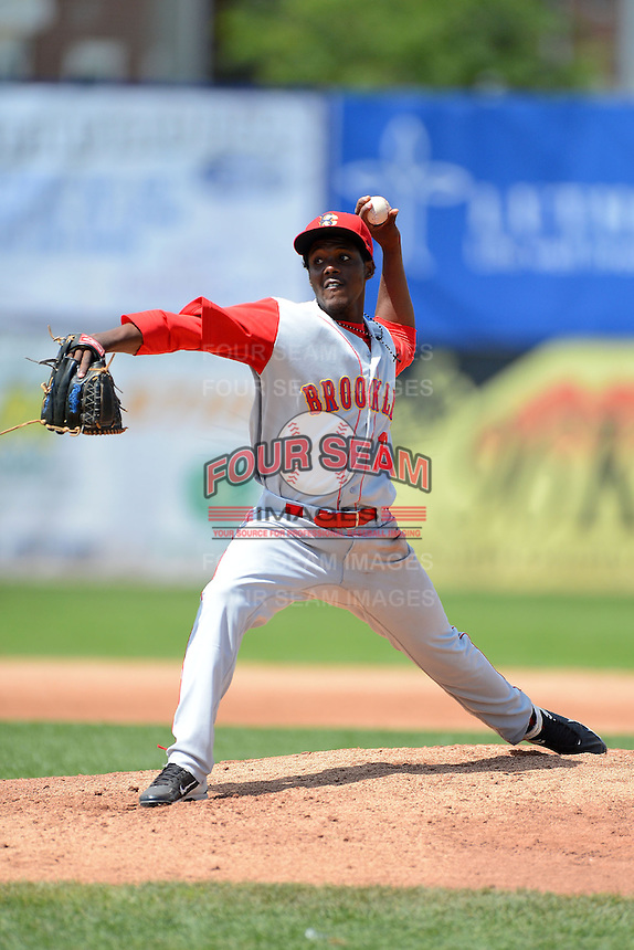 Brooklyn Cyclones pitcher Carlos Valdez (16) during a game against the Jamestown Jammers on August 4, 2013 at Russell Diethrick Park in Jamestown, New York.  Jamestown defeated Brooklyn 9-5.  (Mike Janes/Four Seam Images)