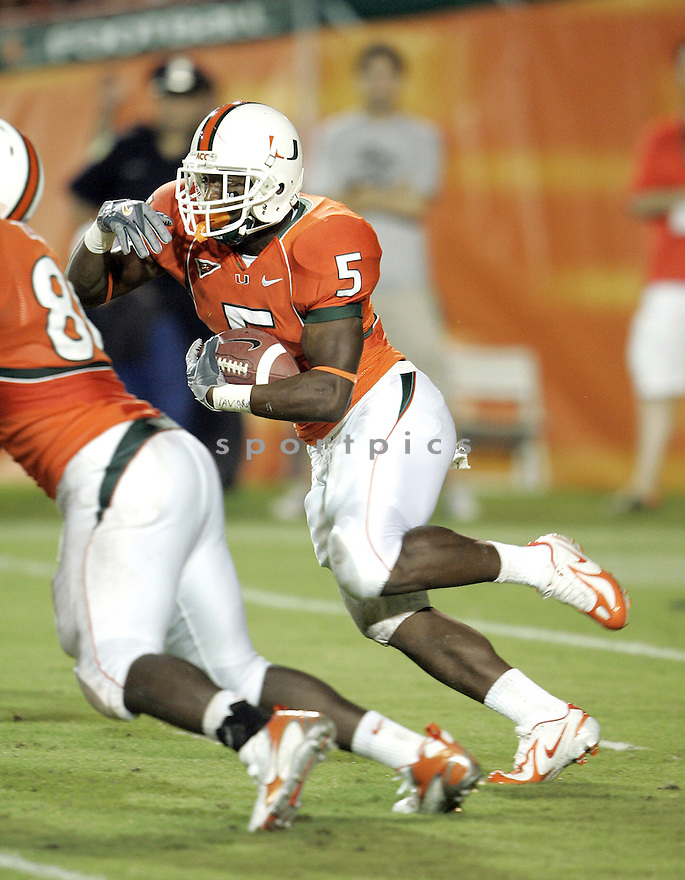 ©Tom DiPace Photography 2005.All Rights Reserved.561-968-0600..Javarris James.Miami UM..FSU @ Miami / Orange Bowl.09.4.2005..By: Tom DiPace