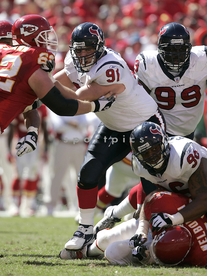 Seth Payne during the Houston Texans. v. Kansas City Chiefs game September 26, 2004...Dilip Vishwanat / SportPics
