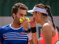 Paris, France, 4 June, 2017, Tennis, French Open, Roland Garros, Mixed doubles: Hao-Ching Chan (TPE) / Jean-Julen Rojer (NED)<br /> Photo: Henk Koster/tennisimages.com