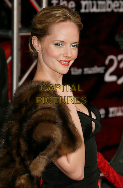 """MARLEY SHELTON.""""The Number 23"""" Los Angeles Premiere held at the Orpheum Theater, Los Angeles, California, USA..February 13th, 2007.half length black brown fur wrap shawl.CAP/ADM/RE.©Russ Elliot/AdMedia/Capital Pictures *** Local Caption *** .."""