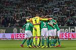 08.03.2019, Weser Stadion, Bremen, GER, 1.FBL, Werder Bremen vs FC Schalke 04, <br /> <br /> DFL REGULATIONS PROHIBIT ANY USE OF PHOTOGRAPHS AS IMAGE SEQUENCES AND/OR QUASI-VIDEO.<br /> <br />  im Bild<br /> <br /> Werder Mannschaftskreis<br /> <br /> Foto &copy; nordphoto / Kokenge