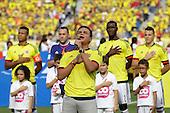 SIlvestre Dangond canta el himno de Colombian antes del partido contra Peru  en el Estadio Metropolitano Roberto Melendez de Barranquilla el  8 de octubre de 2015.<br /> <br /> Foto: Archivolatino<br /> <br /> COPYRIGHT: Archivolatino<br /> Prohibido su uso sin autorizaci&oacute;n.