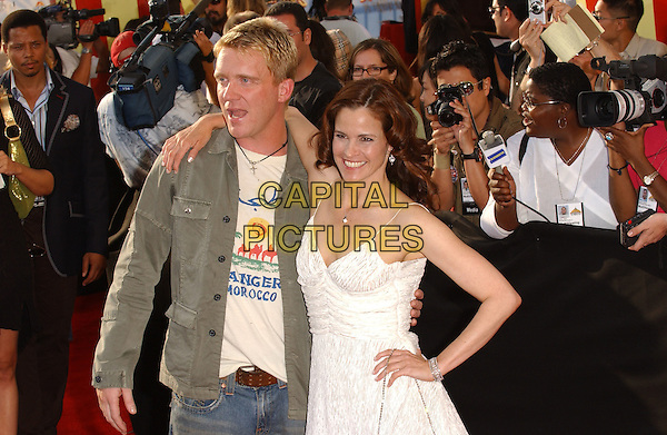 ANTHONY MICHAEL HALL & ALLY SHEEDY.Attends The 2005 MTV Movie Awards held at The Shrine Theatre in Los Angeles, California, USA, .June 4th 2005..half length.Ref: DVS.www.capitalpictures.com.sales@capitalpictures.com.©Debbie VanStory/Capital Pictures